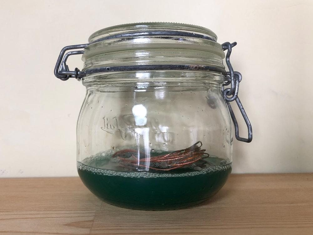 銅線と食酢で媒染液を作る